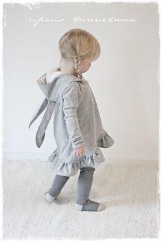 Omia pikku projekteja. Kirpputorilöytöjä ja niiden tuunausta. Sisustusta ja vauva-arkea. Little Fashion, Needle And Thread, Toddler Outfits, Little Girls, Sewing, Grandkids, Children, Ribbons, Lace