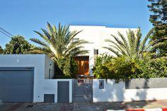 אדריכלות פרטי Garage Doors, Outdoor Decor, Projects, Home Decor, Log Projects, Blue Prints, Decoration Home, Room Decor, Home Interior Design