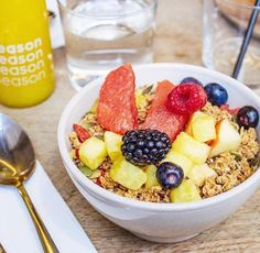 Season, le QG des healthy girls Restaurant Healthy, Restaurants, C'est Bon, Acai Bowl, Healthy Girls, Vegan, Breakfast Ideas, Food, Travel
