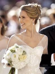 Resultado de imagen para peinados novia estilistas con velo y trenzas