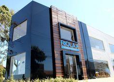 Com a instalação de fachada em acm em SP seu comércio terá uma divulgação com design moderno e sofisticado. Temos as melhores condições, confira tudo em nosso site