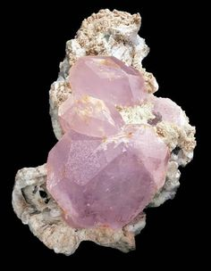 Morganite (varietà di Berillo) the albite  Bulachi, Diamar District, Northern Pakistan.  300x180 mm