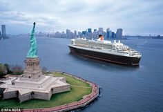 NY by Cunard QM2 past Statue of Liberty
