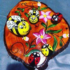 #taş#boyama #akrilik #ahşap #arı#bal#uğurböceği #şans#çiçek