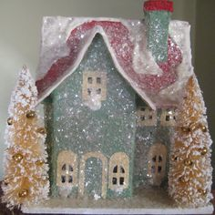 Putz village Christmas house Christmas Village Houses, Christmas Town, Putz Houses, Christmas Villages, Vintage Christmas, Christmas Crafts, Christmas Decorations, Christmas Glitter, Mini Houses