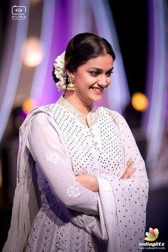 South Indian Actress Photo, Indian Actress Photos, Actress Pics, Indian Actresses, Beautiful Girl Photo, Beautiful Girl Indian, Most Beautiful Indian Actress, Designer Party Wear Dresses, Indian Girls Images