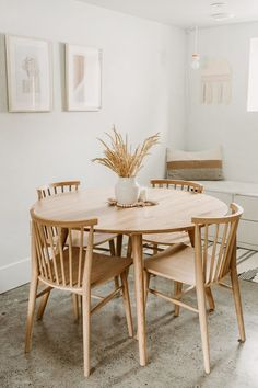 Seno Oak Round Dining Table - American White Oak construction makes for an invi. - Seno Oak Round Dining Table – American White Oak construction makes for an inviting environment. Photo by Emily Faith. Sweet Home, Interior Minimalista, Home Living, Living Room, Fashion Room, Dining Room Design, Home Design, Design Ideas, Design Design