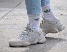 32 parasta kuvaa: Kengät | Kengät,Yeezy ja Juoksukengät
