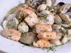 Receta | Cazuela de salmón y moluscos - canalcocina.es