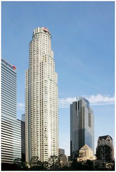 Top 10 Tallest Buildings in USA - U.S. Bank Tower, Los Angeles - 1,018 ft