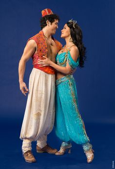 Before and After: Stunning Aladdin Broadway Transformations Aladdin Show, Aladdin Broadway, Aladdin Movie, Broadway Costumes, Theatre Costumes, Cool Costumes, Musical Theatre, Aladdin Cosplay, Jasmine Halloween Costume