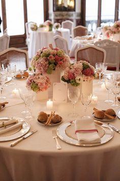 La mise en place in perfetto stile shabby. Il centrotavola è semplice e non ostacola gli ospiti.  #Dalani #Wedding #Shabby