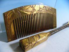 Japanese Early Showa Period Comb and Kogai. Unsigned. Original Mitsukoshi Department Store box.