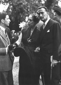 Elsa Schiaparelli (center) with Salvador Dalí (right), 1949. COLLECTION OF MERYLE SECREST