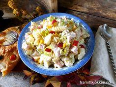 Kremet pastasalat med skinke - Fra mitt kjøkken Salad, Ethnic Recipes, Food, Red Peppers, Salads, Meals, Lettuce, Yemek, Eten