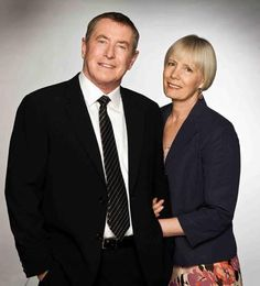 'Midsomer Murders - Fit for Murder' - Farewell to John Nettles and Jane Wymark as Tom and Joyce Barnaby Famous Detectives, Tv Detectives, Mystery Show, Mystery Series, Uk Tv Shows, Movies And Tv Shows, John Nettles, Tvs, Midsomer Murders
