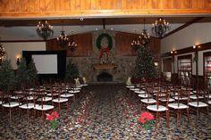 Christmas wedding ceremony at the Dillard House