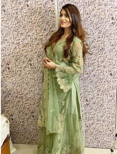 Chikankari Suits, Dress Indian Style, Actors Images, Social Media Stars, Indian Designer Outfits, Hair Color For Black Hair, Bollywood Stars, Beautiful Couple, Pakistani Dresses