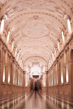 ❤ - La Venaria Reale is one of the finest examples of the majesty of 17th and 18th century architecture in Regione Piemonte, Italy
