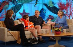 """Ellen reunites with the cast of """"Finding Nemo"""" on her show. """"Just keep swimming, just keep swimming, just keep swimming, swimming, swimming…"""" :D"""