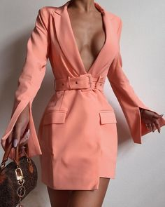 Solid Notched Collar Slit Cuff Long Sleeve Pocket Blazer Dress Source by ivrosegeeko Dress women Suit Fashion, Look Fashion, New Fashion, Fashion Dresses, Womens Fashion, Fashion Design, Fashion Details, Classy Outfits, Chic Outfits