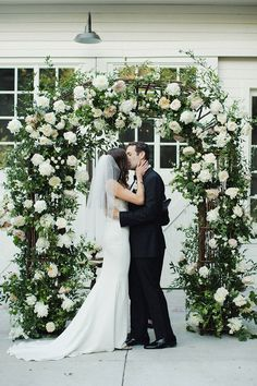 277ebf8ad86c99 Christina+and+Jonathan s+Lombardi+House+Wedding Industrial Wedding Venues