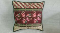 Detalhe almofada de tecido floral da Happy Quilter.