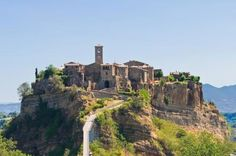 Civita di Bagnoregio, Lazio - 15 Posti da vedere prima che scompaiano per sempre!