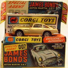James Bond DB5 - original version by Corgi. No.261.