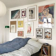 Dorm room makeover ideas dorm room decor decorating for christmas Urban Outfitters Zimmer, Urban Outfitters Room, Modern Decorative Objects, Eclectic Gallery Wall, My New Room, Cheap Home Decor, Dorm Room, Room Inspiration, Home Goods