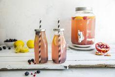 Lag en deilig lemonade av sitron, granateple og blåbær! En frisk og sommerlig drikk som funker året rundt! Lemonade, Snacks, Appetizers, Treats, Root Beer