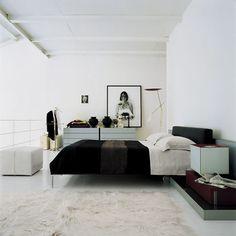 Charles bed Antonio Citterio - B&B Italia,   Space Furniture - my new bed!