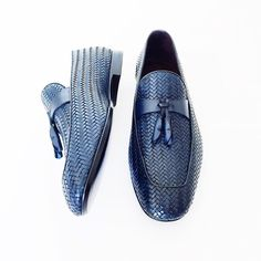 Impeccable style . . #ermengildozegna #mensstyle #italian #design #loafers #shoes #mensfashion #instafashion #braided #leather #zegna #luxury #tassels #moda #formal #fashion #style #gq #vscocam Casual Loafers, Loafers Men, Casual Shoes, Gents Shoes, Tuxedo Shoes, Nigerian Men Fashion, Hot Shoes, Shoes Men, Mens Boots Fashion