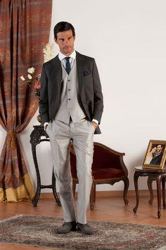 ZACK Abito sartoriale completo con giacca mezzo tight realizzata in fresco  di lana grigio con revers a lancia 7dabf80d464