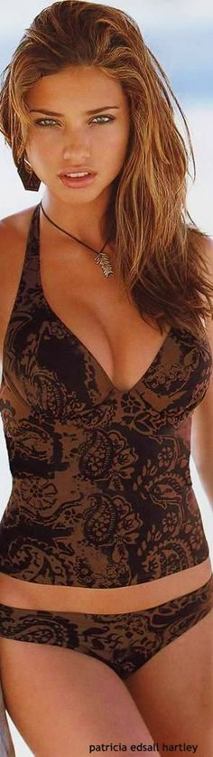 Adriana Lima. Fb