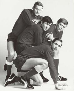 Portret van vier Ajaxspelers: Klaas Nuninga, Sjaak Swart, Piet Keizer en Johan Cruijff, Paul Huf, 1967