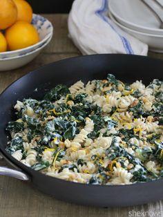 20-Minute creamy #OnePotPasta Meyer lemon pasta. Add some Alfredo to make it even creamier!
