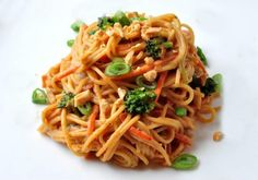 Spicy Peanut Noodles A simple Chinese noodles dish for lunch or dinner.