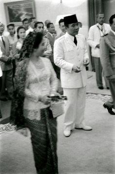 Bandung conference 1955 : President Soekarno and his wife Mrs. Fatmawati
