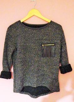 Kup mój przedmiot na #vintedpl http://www.vinted.pl/damska-odziez/bluzy-i-swetry-inne/11384198-sweterek-w-pepitke-kieszonka-skora-zamek