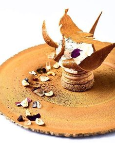 """My autumn leaf, roasted-coffee, orange blossom"" Jean-François Piège Photo: Nicolas Lobbestael Michelin Star Food, Beautiful Desserts, Baking And Pastry, French Pastries, Coffee Roasting, Edible Art, Everyday Food, Food Menu, Plated Desserts"