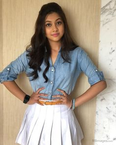 Reem Sameer Shaikh is an Indian television actress. She is playing the role of Kalyani Malhar Rane in Tujhse Hai Raabta on Zee TV as of July Hd Wallpapers For Mobile, Mobile Wallpaper, Girl Photo Poses, Girl Poses, Sweet Girl Photo, Smart Girls, Girls Dp, Child Actresses, Beautiful Girl Indian