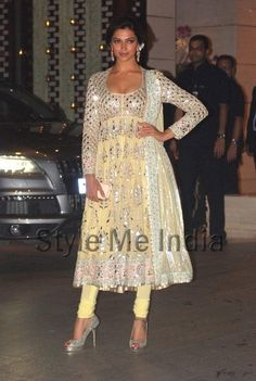 Deepika Padukone at Abu Jani Sandeep Khosla lbook launch 'India Fantastique'