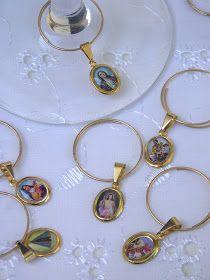 Marcadores de taças 1111 12,00 a dúzia Marcadores de taças 1004 10,00 a dúzia Marcadores de taças de Santos. Cada marcador tem a imagem d...