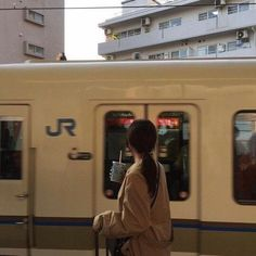 brown aesthetic coffee light korean ulzzang soft minimalistic 얼짱 girl train buildings kawaii cute g e o r g i a n a : a e s t h e t i c s