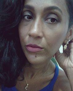 Feliz pela #fanpage ter chegado a 34.000 amores. Obrigado #Deus e aos seguidores. Beijos! / Happy with the fanpage to have reached 34.000 loves. Thank #God and #followers. Kisses! (www.facebook.com/ModaNaPratica) 😘🎉🙏 #selfie #photography #moda #fashion #makeup #lipstick #fashionblogger #pic #batom #skin #hair #cabelos #bonnuit #happy #feliz #like #femme #gratitude #grata #personalstylist #eyes #night #brazil #persistencia #faith