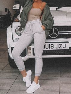 Women Fashion New Fashion – Women Winter Outfits, Warm Outfits, Sporty Outfits, Teen Fashion Outfits, Sweatpants Outfit Lazy, Joggers Outfit, Gray Sweatpants, Movie Night Outfits, Cute Lazy Outfits