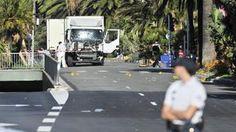 Anschlag in Nizza. Die Promenade am Morgen nach der Tat. Der LKW, mit dem der Anschlag verübt wurde. (Foto: Imago/Panoramic)