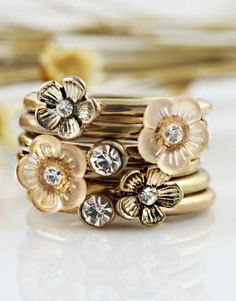 Flowers Multilayer Ring @Pascale Lemay De Groof