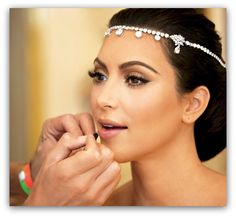 Regardless of what you think about Kim K her make up here is flawless.
